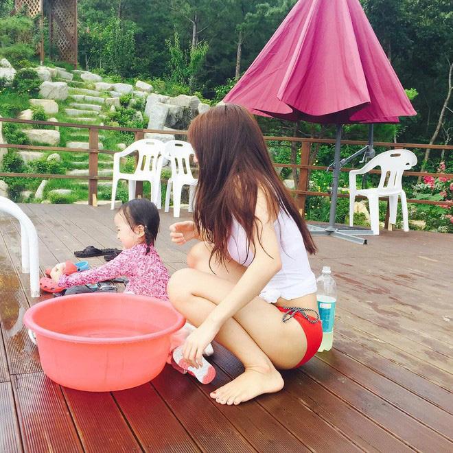 Mẹ của các em bé nổi tiếng MXH Hàn - Nhật: Người xinh như hot girl, người quyết tâm giấu mặt-24