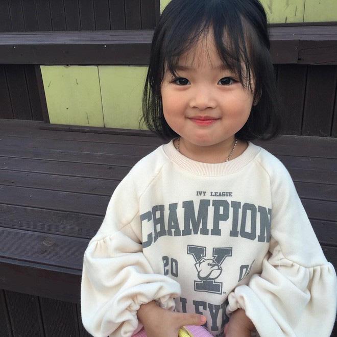 Mẹ của các em bé nổi tiếng MXH Hàn - Nhật: Người xinh như hot girl, người quyết tâm giấu mặt-23