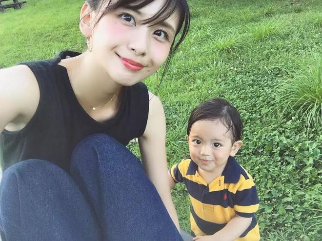 Mẹ của các em bé nổi tiếng MXH Hàn - Nhật: Người xinh như hot girl, người quyết tâm giấu mặt-21