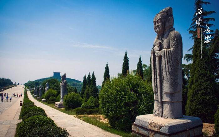 Bí ẩn rợn người bên trong lăng mộ nữ Hoàng đế duy nhất lịch sử Trung Hoa Võ Tắc Thiên-1