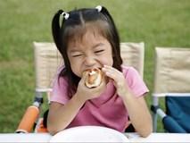 Bé 3 tuổi bị hóc nghẹn đến chết chỉ vì một loại quả bố mẹ nào cũng cho con ăn mỗi dịp hè