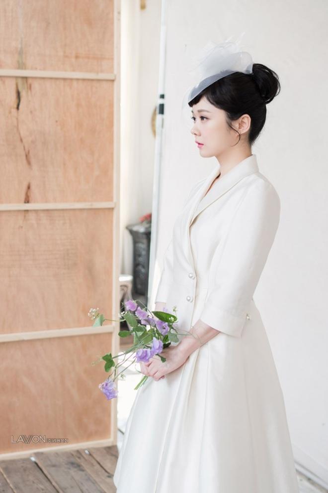 U40 Jang Nara khoe nhan sắc trẻ như gái 20 khi diện váy cưới-7