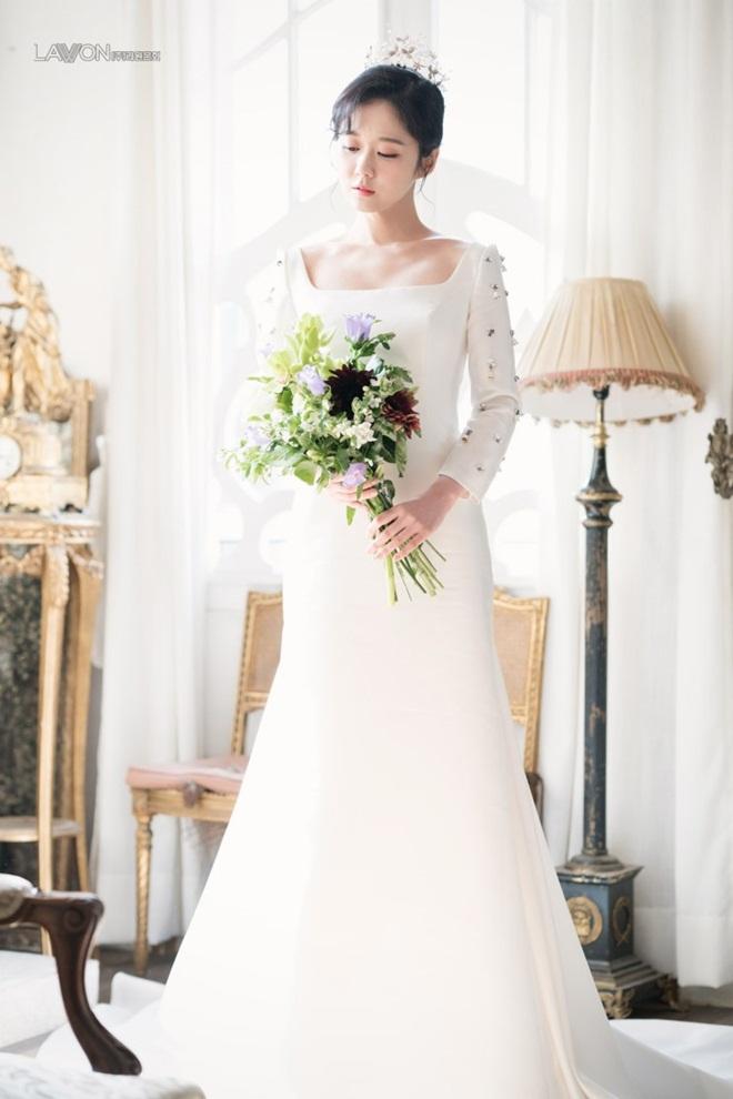 U40 Jang Nara khoe nhan sắc trẻ như gái 20 khi diện váy cưới-3