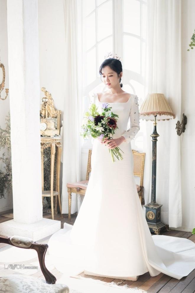 U40 Jang Nara khoe nhan sắc trẻ như gái 20 khi diện váy cưới-9