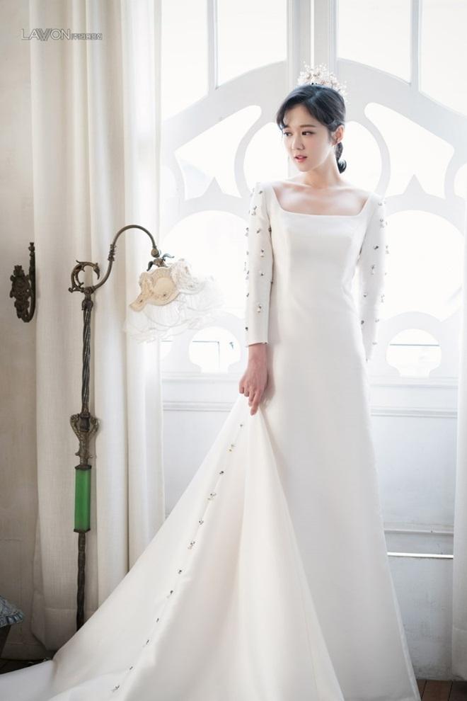 U40 Jang Nara khoe nhan sắc trẻ như gái 20 khi diện váy cưới-4