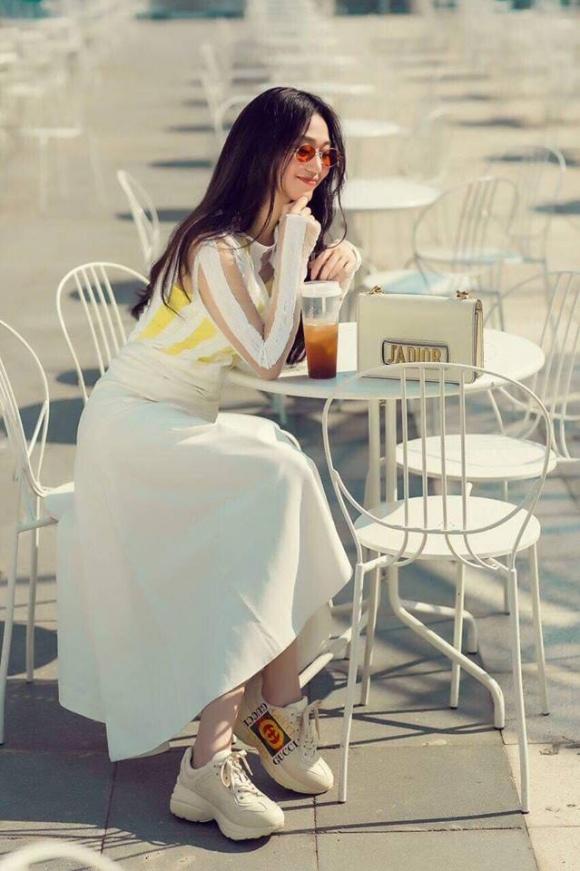 Khánh My đẹp thanh lịch và dịu dàng xuống phố ngày hè-12