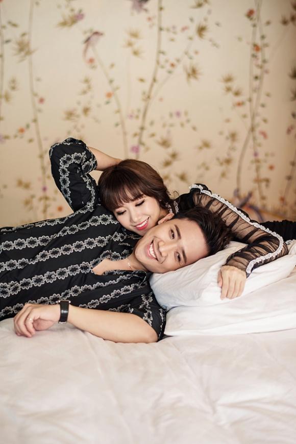 Kỉ niệm 17 tháng về chung nhà, Trấn Thành và Hari Won tung bộ ảnh tình bể bình-3