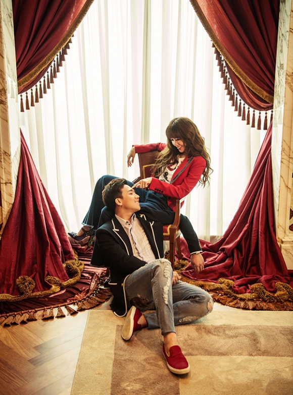 Kỉ niệm 17 tháng về chung nhà, Trấn Thành và Hari Won tung bộ ảnh tình bể bình-10
