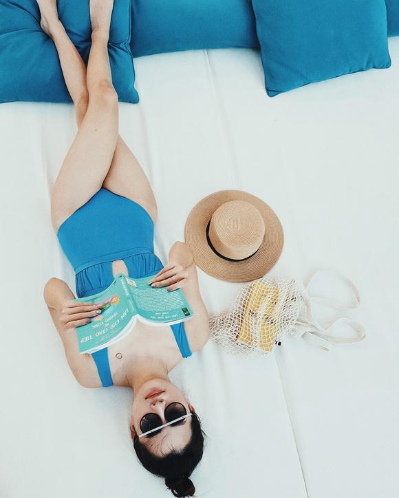 MC VTV Quỳnh Chi khoe vòng eo thon gọn khi diện bikini-5