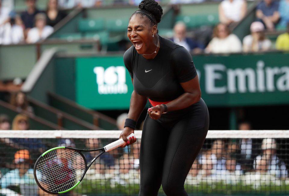 Sao quần vợt táo bạo khoác trang phục siêu anh hùng thi đấu ở Pháp Mở rộng 2018-3