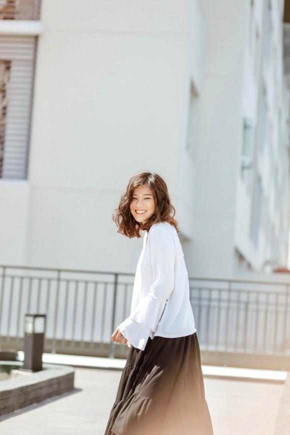 Hoàng Yến Chibi đi chân trần, hóa vũ công đẹp mơ màng giữa nắng hè-2