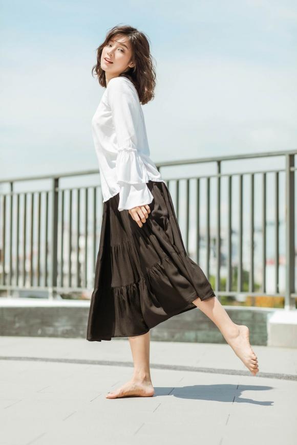 Hoàng Yến Chibi đi chân trần, hóa vũ công đẹp mơ màng giữa nắng hè-17