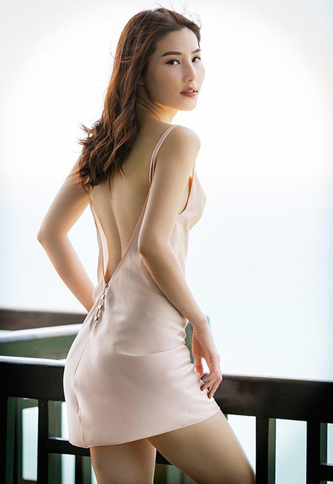 Thót tim ngắm Elly Trần, bạn gái Noo Phước Thịnh diện váy ngủ chưa chạm đã rơi-2