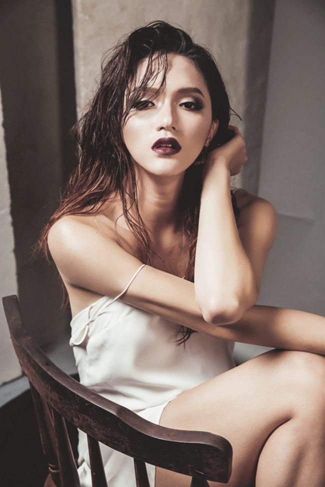 Thót tim ngắm Elly Trần, bạn gái Noo Phước Thịnh diện váy ngủ chưa chạm đã rơi-16