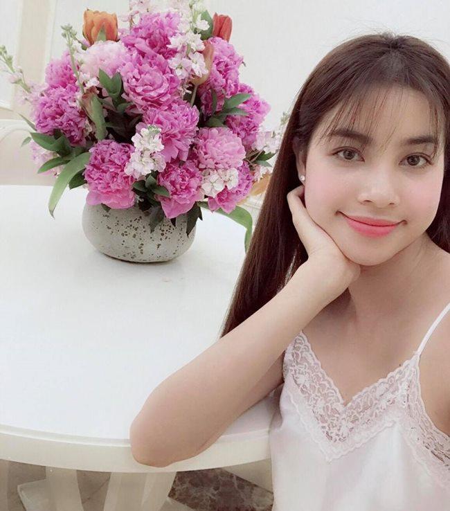 Thót tim ngắm Elly Trần, bạn gái Noo Phước Thịnh diện váy ngủ chưa chạm đã rơi-17