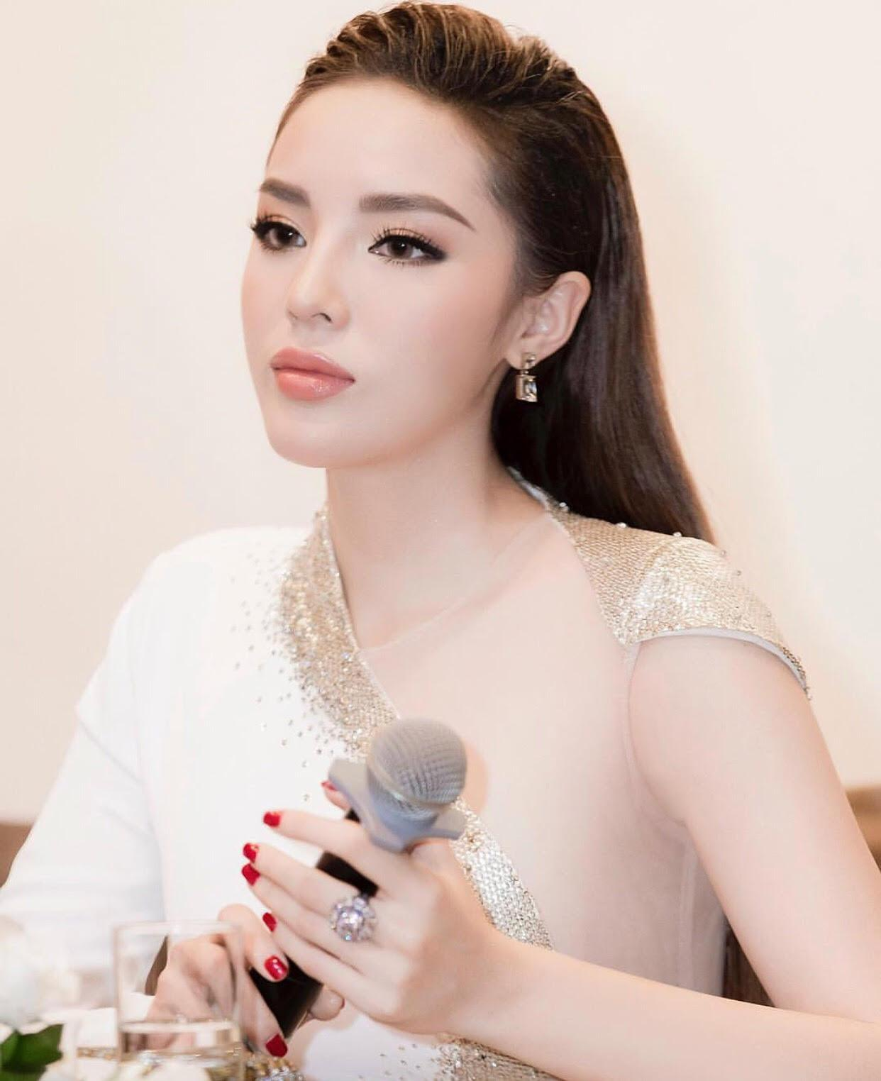 Sao Việt tô son nude: Người đỉnh cao sang trọng, kẻ chìm xuồng quê mùa-1