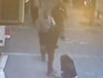 Đánh đập vợ cũ dã man trên phố, gã đàn ông vũ phu nhận bài học nhớ đời