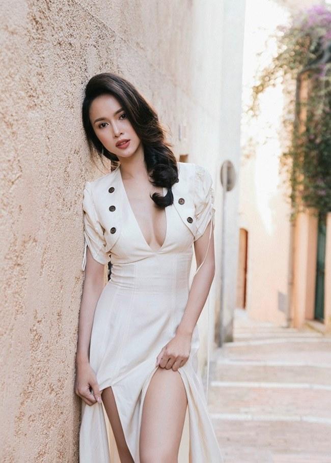 Những trang phục gây hiểu lầm nghiêm trọng của người đẹp Vũ Ngọc Anh-17