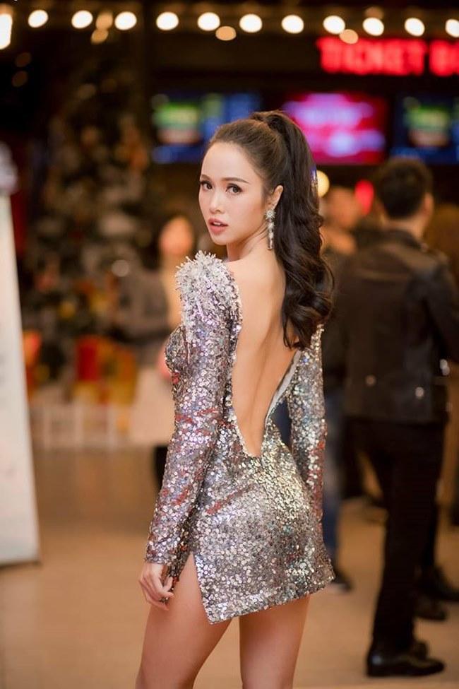 Những trang phục gây hiểu lầm nghiêm trọng của người đẹp Vũ Ngọc Anh-4