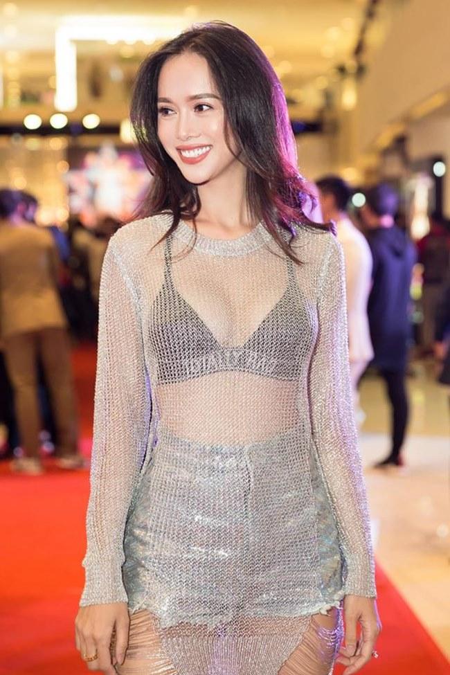 Những trang phục gây hiểu lầm nghiêm trọng của người đẹp Vũ Ngọc Anh-7