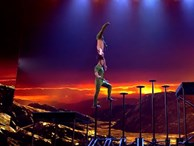 Clip: Quốc Cơ - Quốc Nghiệp thực hiện 'cú nhảy tử thần' trong đêm chung kết Britain's Got Talent