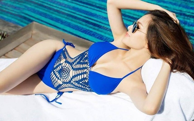 Hot girl Mì Gõ, Midu, Elly Trần mặc áo tắm hot hơn đàn em 9X-2