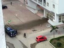 Hy hữu: Xe bồn chở phân bất ngờ phát nổ trước sảnh chung cư, người dân khóc dở mếu dở