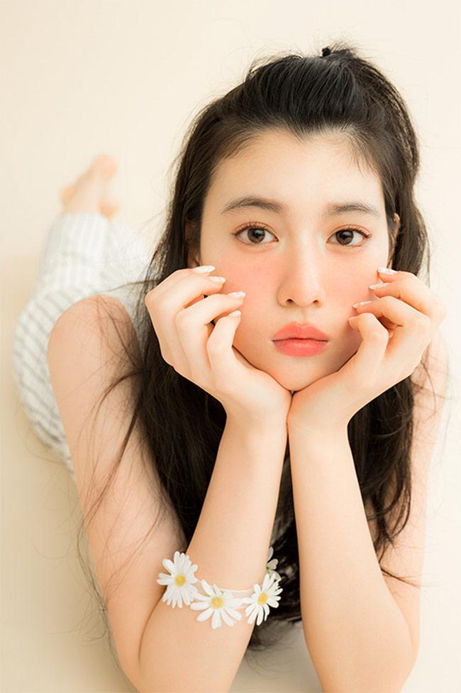 Nữ thần 22 tuổi của nước Nhật xinh hiền nhưng tiềm ẩn sự bốc lửa, bất cần-12