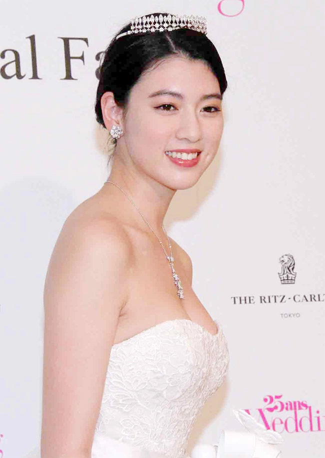 Nữ thần 22 tuổi của nước Nhật xinh hiền nhưng tiềm ẩn sự bốc lửa, bất cần-14