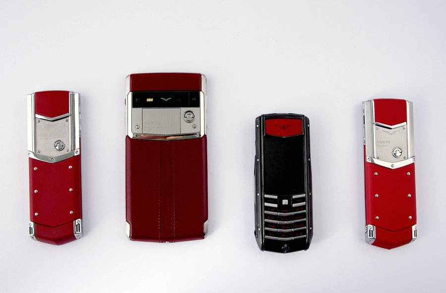 Hiếm có Việt Nam: Tay chơi sưu tập bộ điện thoại Vertu chục tỷ-11