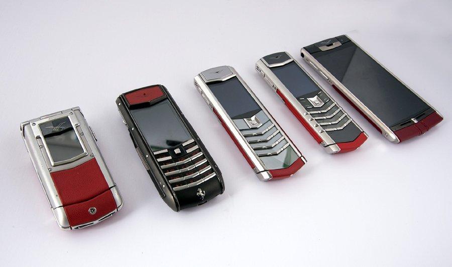 Hiếm có Việt Nam: Tay chơi sưu tập bộ điện thoại Vertu chục tỷ-3