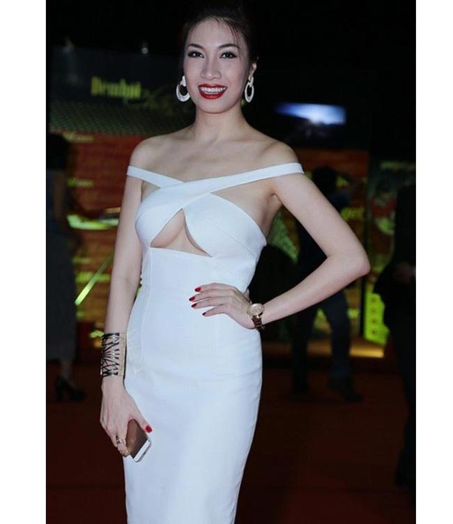Dàn mỹ nhân Việt mặc mốt lộ chân ngực: Ai soán ngôi được Thanh Bi?-16