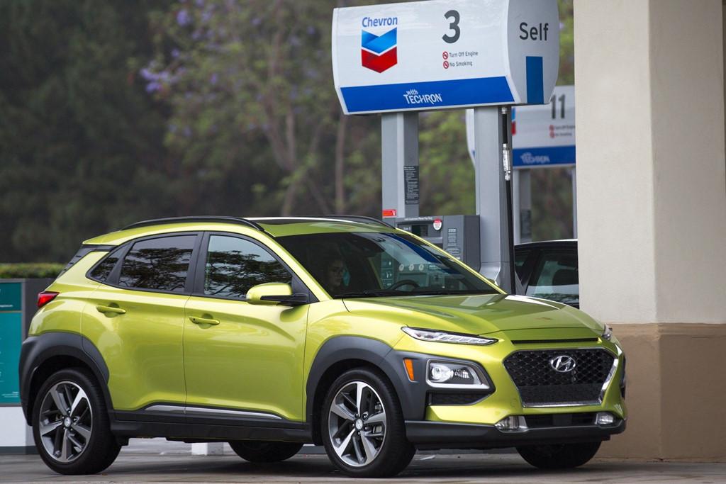 Người lái ôtô đã có thể trả tiền đổ xăng, mua đồ ăn không cần xuống xe-1