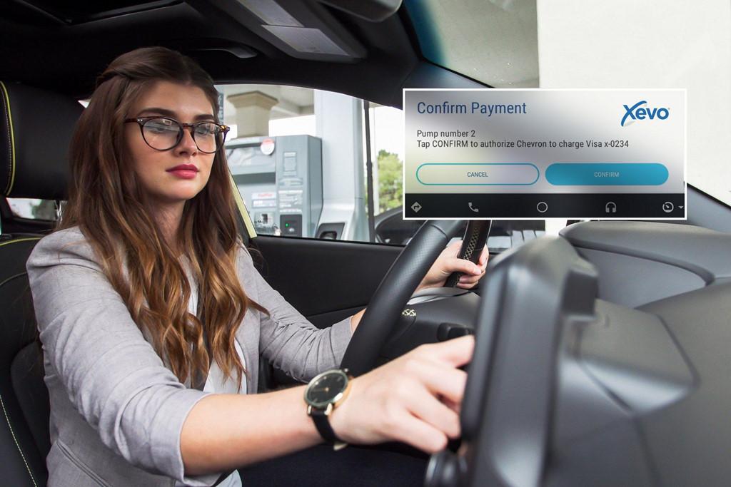 Người lái ôtô đã có thể trả tiền đổ xăng, mua đồ ăn không cần xuống xe-6