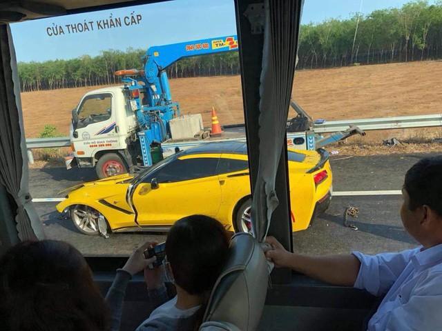 Siêu xe gặp tai nạn kinh hoàng: hành động của chủ xe khiến nhiều người phải bất ngờ-5