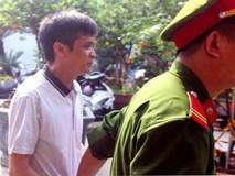 Thầy giáo dâm ô 7 nữ sinh tiểu học bị tuyên 6 năm tù giam
