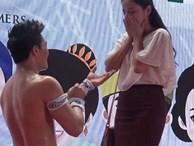 Vợ Quốc Cơ nói gì về clip chồng quỳ gối cầu hôn 'hot' trở lại?