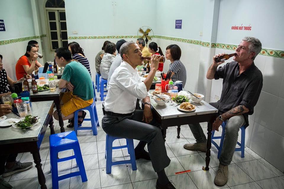 Đầu bếp nổi tiếng ăn bún chả cùng Tổng thống Obama ở Hà Nội vừa tự sát-1