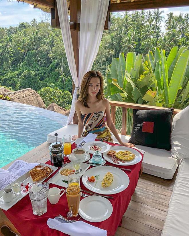 Hội con nhà giàu Việt tấp nập khoe ảnh đi nghỉ mát ngày hè-18