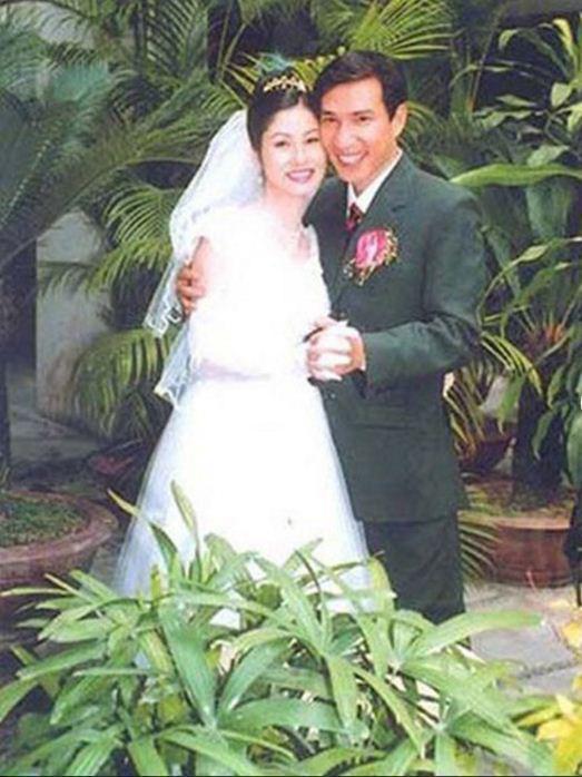 Ngắm loạt ảnh cưới những năm 80 - 90, bạn có nhận ra đây là sao Việt nào?-11