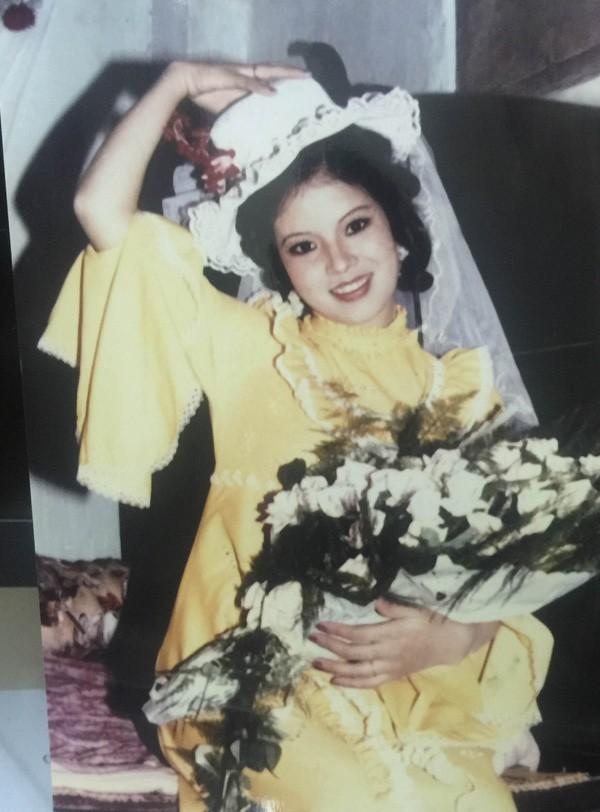 Ngắm loạt ảnh cưới những năm 80 - 90, bạn có nhận ra đây là sao Việt nào?-3