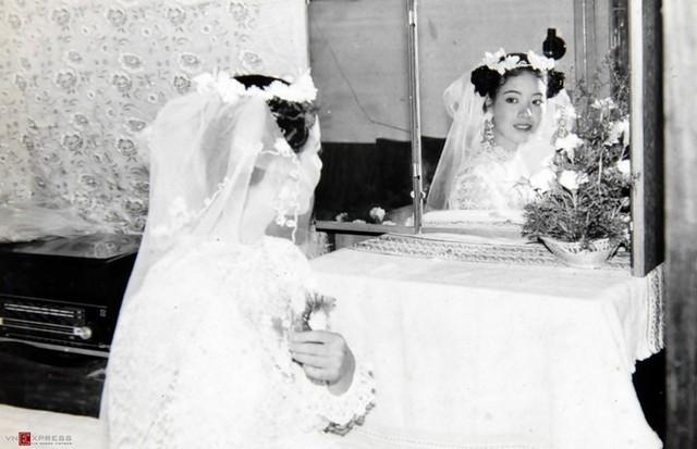 Ngắm loạt ảnh cưới những năm 80 - 90, bạn có nhận ra đây là sao Việt nào?-6