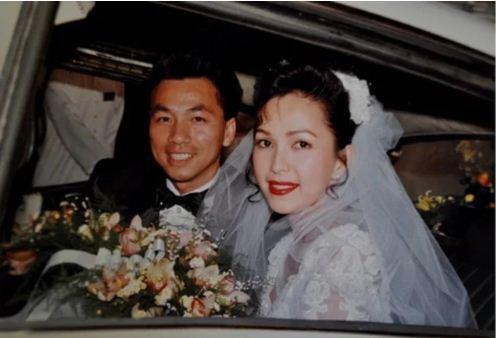 Ngắm loạt ảnh cưới những năm 80 - 90, bạn có nhận ra đây là sao Việt nào?-9