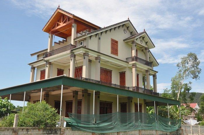 Cả làng 'du lịch' sang Thái, mang USD về xây biệt thự-1