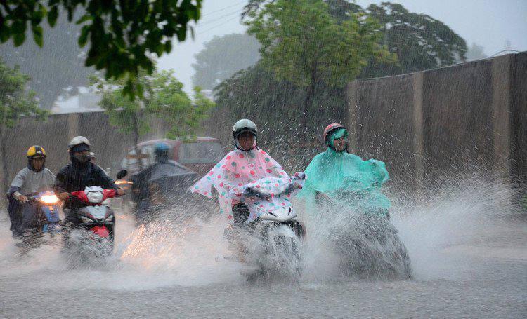 Tin mới thời tiết 10/6: Miền Bắc đón mưa dông diện rộng, khả năng cao có tố lốc, mưa đá-1
