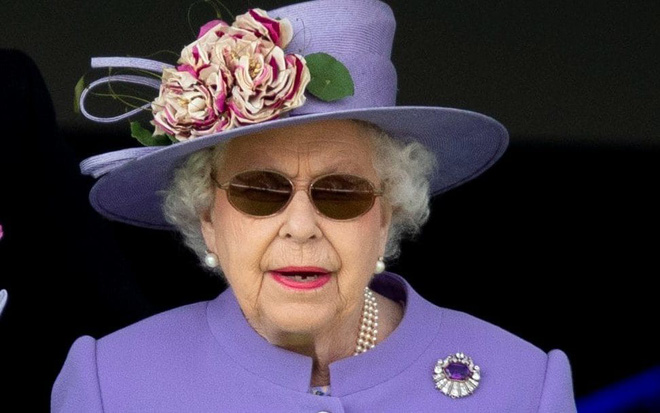 Ai cũng thắc mắc tại sao gần đây Nữ hoàng Anh liên tục đeo kính râm, thì ra là vì lý do này đây-3