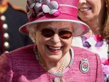 Ai cũng thắc mắc tại sao gần đây Nữ hoàng Anh liên tục đeo kính râm, thì ra là vì lý do này đây