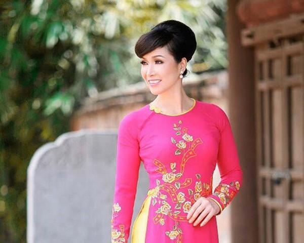 Nhan sắc 3 người đẹp ngồi ghế nóng chấm thi Hoa hậu Việt Nam 2018-4