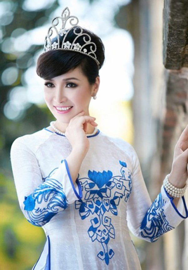 Nhan sắc 3 người đẹp ngồi ghế nóng chấm thi Hoa hậu Việt Nam 2018-3