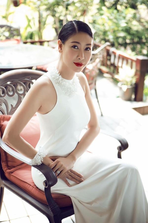 Nhan sắc 3 người đẹp ngồi ghế nóng chấm thi Hoa hậu Việt Nam 2018-6